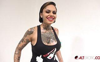 Have bearing with busty tattooed beauty Genevieve Sinn