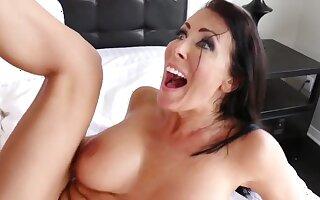 Reagan Foxx - Its A Wife Thing Hot MILF porn