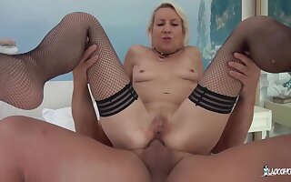Charly Sparks - Blonde French Newbie Goes Be proper of Amateur Mature Sex, Gets Cum In Frowardness