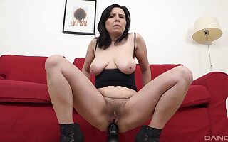 Amateur mature Marika Stud spreads their way legs to ride a BBC