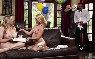 Seductive blondes lodge their avidity for cock adjacent to be passed on butler