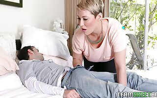 Messy facial for Ryan Keely and Anastasia Rose after a threesome