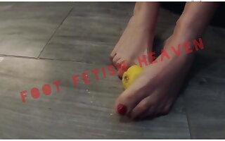 !!! HOT!!! foot good-luck piece - lemon squeeze teser