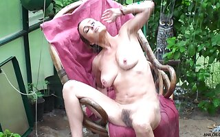 Small boobs Amanda Hills moans while carrying-on in the garden