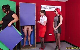 Naked man gets his gumshoe sucked hard by Jesse Jayne and Roxi Keogh