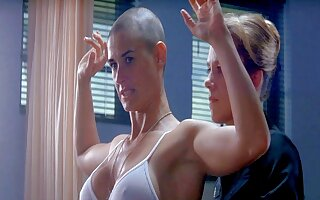 The man celebs – Demi Moore nude in the shower