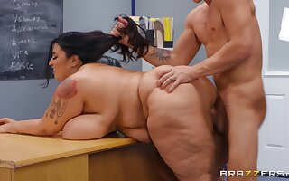 Correctional Action student Oliver Flynn fucked by BBW brunette teacher Sofia Rose - reality hardcore in the lecture-hall