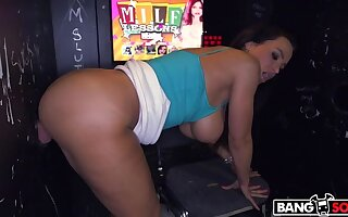 Broad in the beam Tit MILF Milking Multiple Broad in the beam Cocks in Glory Hole