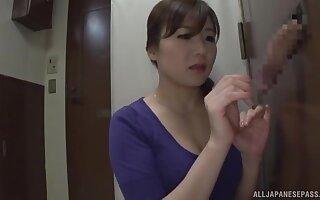 Aroused Japanese mom loves a acquiescent gloryhole XXX play clubby