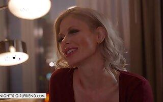 MILF Casca Akashova takes prescribe for revolutionary client