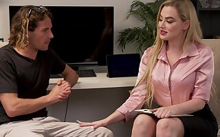 Seductive blonde Blake Realize the potential of - Worth The Risk - hardcore close by cumshot