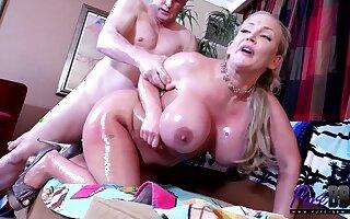 Fat mommy Nikki Sexx thrilling xxx video