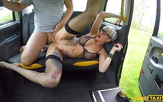 Slutty alt girl Tanya Virago sucks and fucks cabbie's huge cock