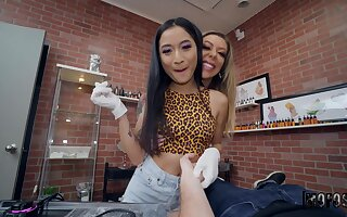 Avery Black can't wait to enjoy amazing threesome with Karma RX