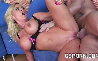 A hot blonde big boobs like fucking at doggy style in this hardcore porn video