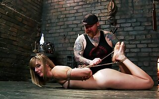 Affecting accompanying offing session be worthwhile for submissive Mona Wales