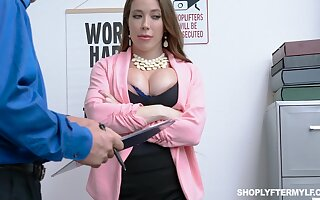 Milf picklock Bianca Burke gets fucked with an increment of jizzed hard by security guy