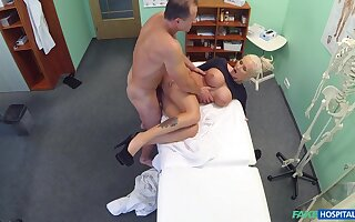 Chesty pretty good bitch gets some action in the doc's office