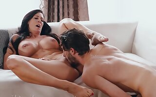 Horny nymphomaniac MILF has sex fun with overconfident dreamboat- SHOW 143