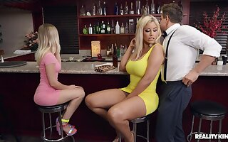 Quickie fucking in a pub with partake of mature mommy Bridgette B