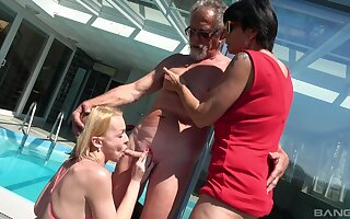 Wild gone away from fucking by the unify down Darina and Ivana Kourilova